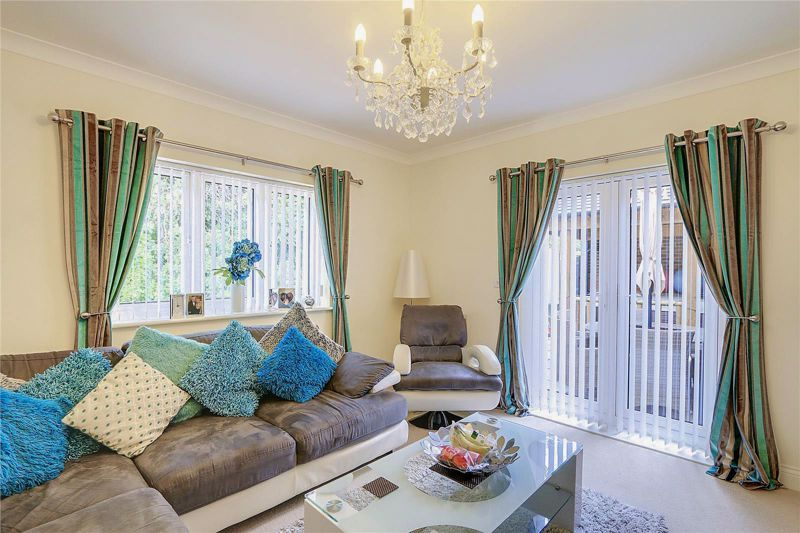 5 bed house for sale in Ash Close 4