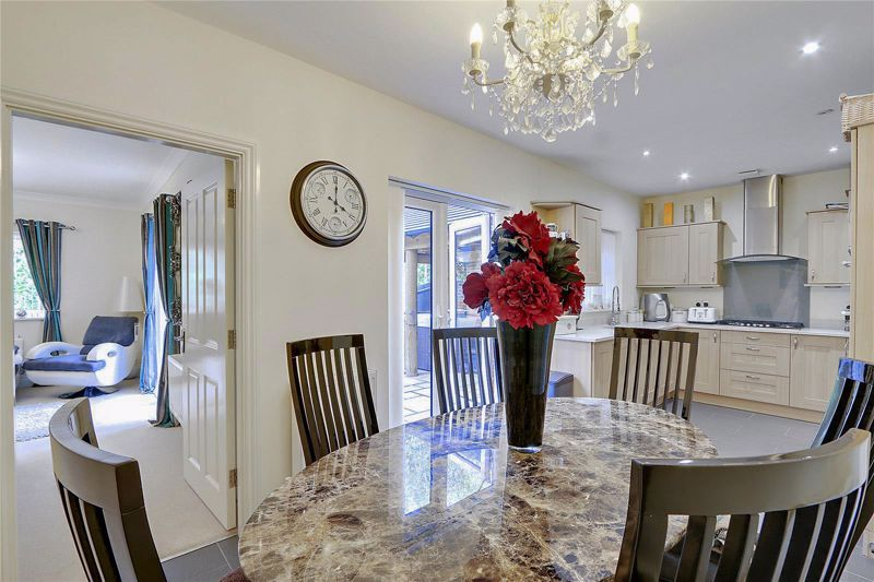 5 bed house for sale in Ash Close 5