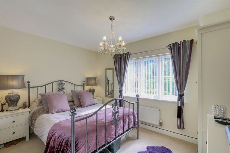 5 bed house for sale in Ash Close 9