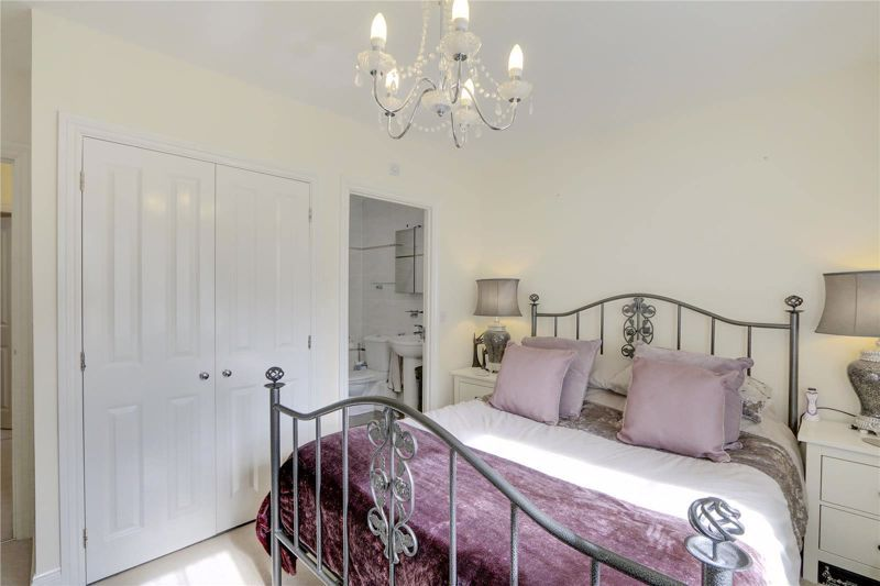 5 bed house for sale in Ash Close  - Property Image 10
