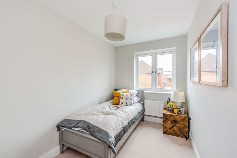 4 bed house for sale in Hornbeam Close 11