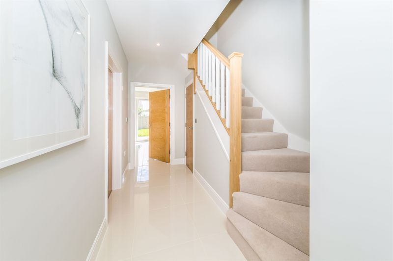 4 bed house for sale in Hornbeam Close 12
