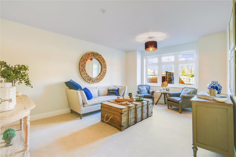 4 bed house for sale in Hornbeam Close, KT17