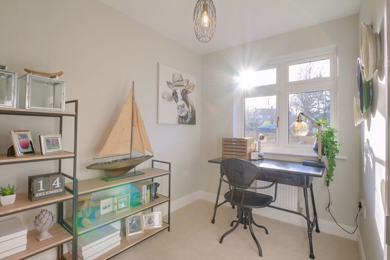 4 bed house for sale in Hornbeam Close  - Property Image 11