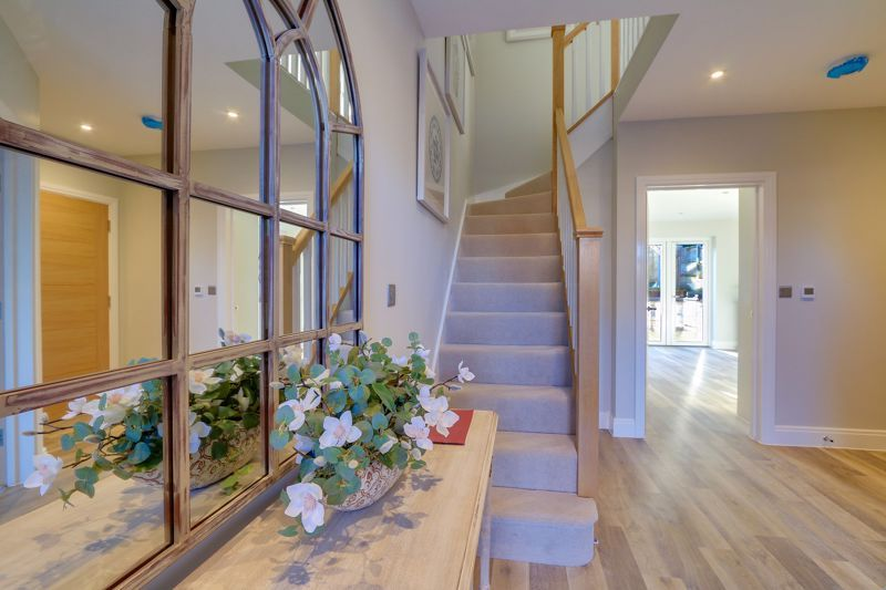4 bed house for sale in Hornbeam Close 15