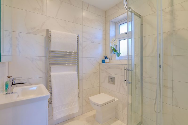 4 bed house for sale in Hornbeam Close  - Property Image 7