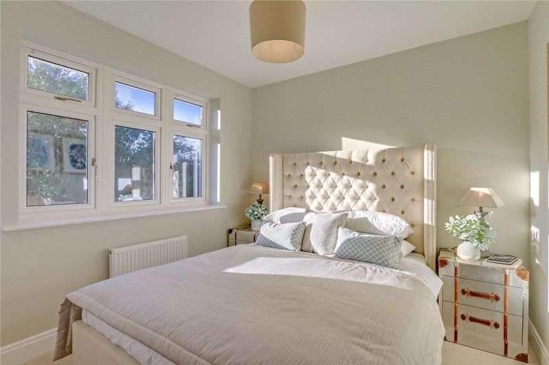 4 bed house for sale in Hornbeam Close 9