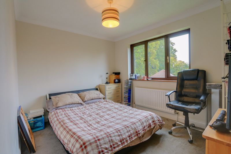 5 bed house for sale in The Lye 12
