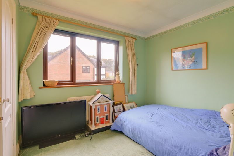 5 bed house for sale in The Lye 16