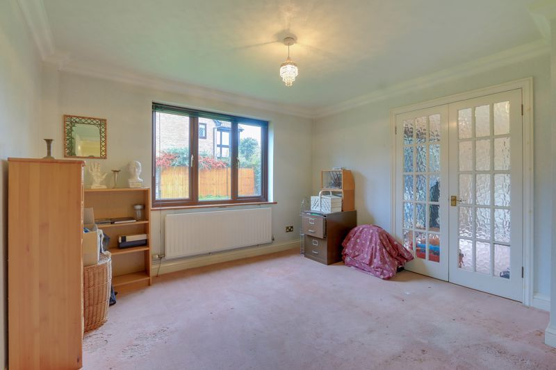 5 bed house for sale in The Lye 6