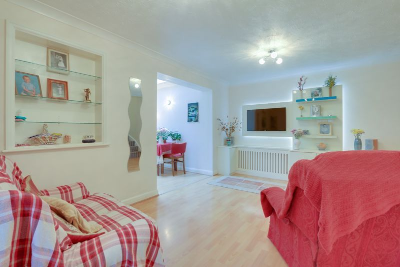 2 bed house for sale in Worcester Road 2