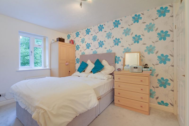 2 bed house for sale in Worcester Road 9