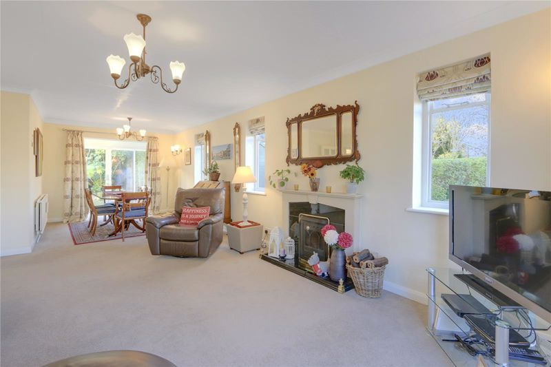 3 bed house for sale in West Way  - Property Image 3
