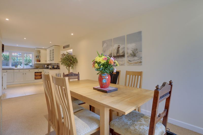 5 bed house for sale in Hillside  - Property Image 6