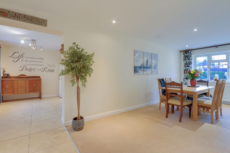 5 bed house for sale in Hillside 10