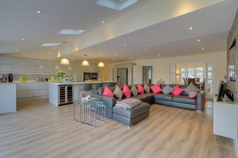 4 bed house for sale in Fir Tree Road  - Property Image 4