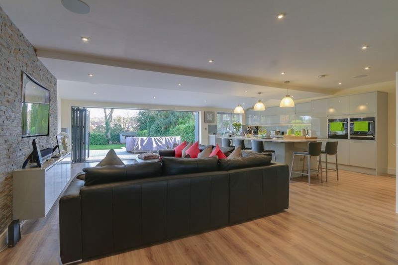 4 bed house for sale in Fir Tree Road  - Property Image 5