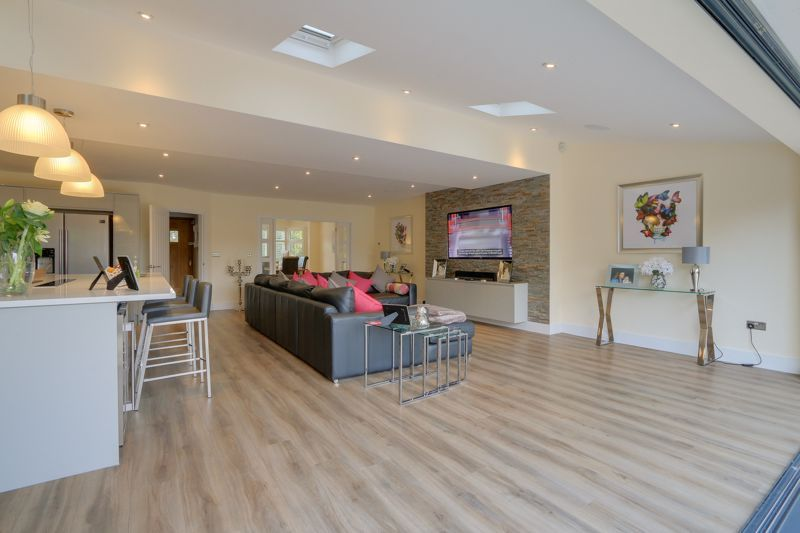 4 bed house for sale in Fir Tree Road  - Property Image 6