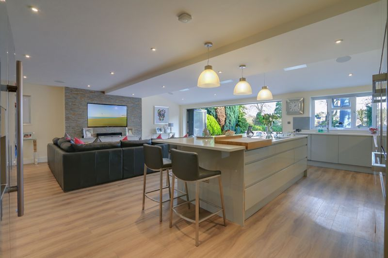 4 bed house for sale in Fir Tree Road  - Property Image 7