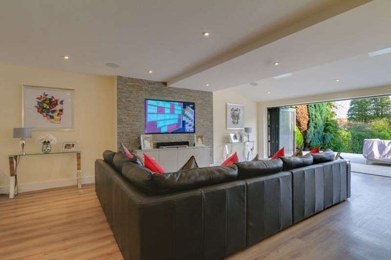 4 bed house for sale in Fir Tree Road 8