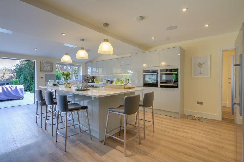 4 bed house for sale in Fir Tree Road 9