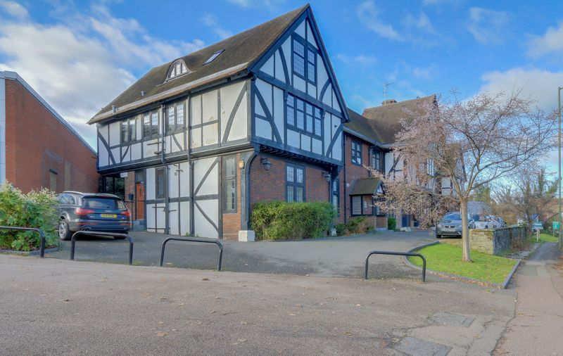 1 bed  for sale in Reigate Road, KT17