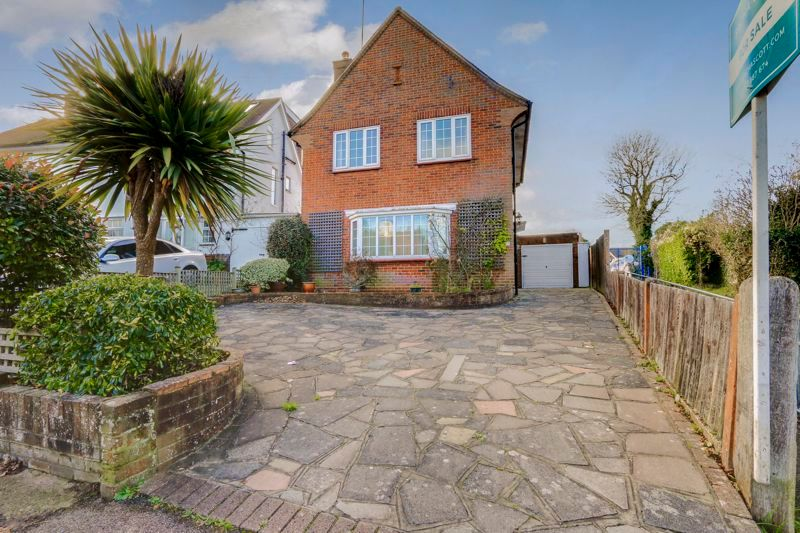 3 bed house for sale in Roundwood Way, SM7