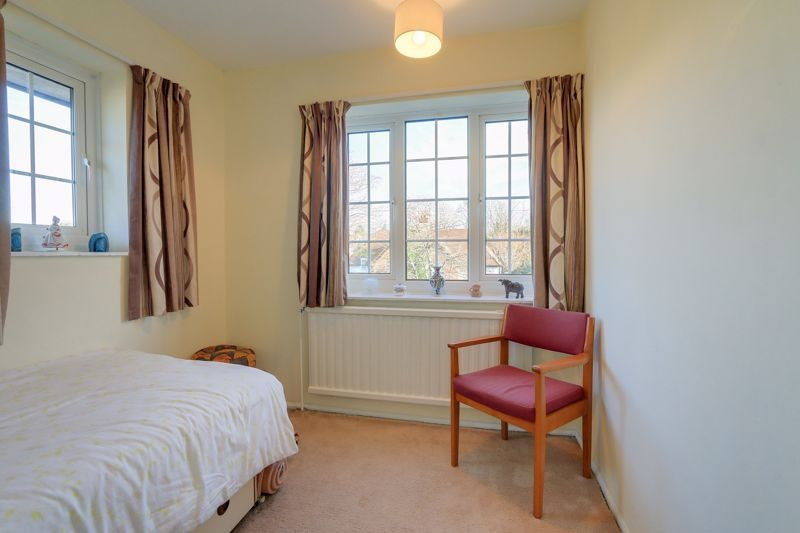 3 bed house for sale in Roundwood Way  - Property Image 14