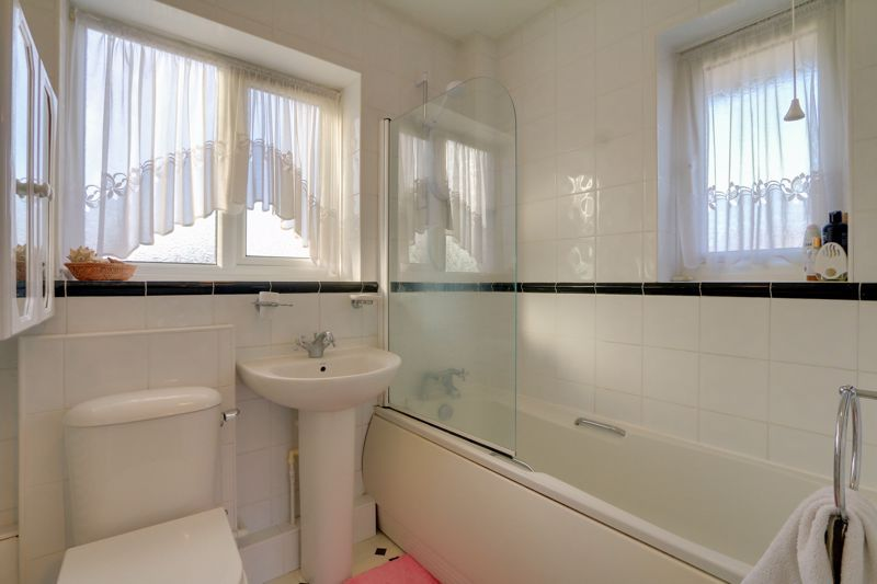 3 bed house for sale in Roundwood Way  - Property Image 17