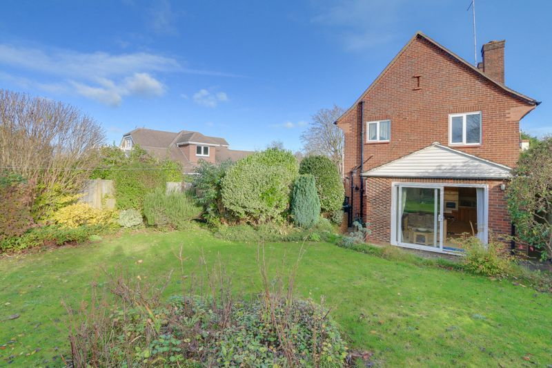 3 bed house for sale in Roundwood Way 22