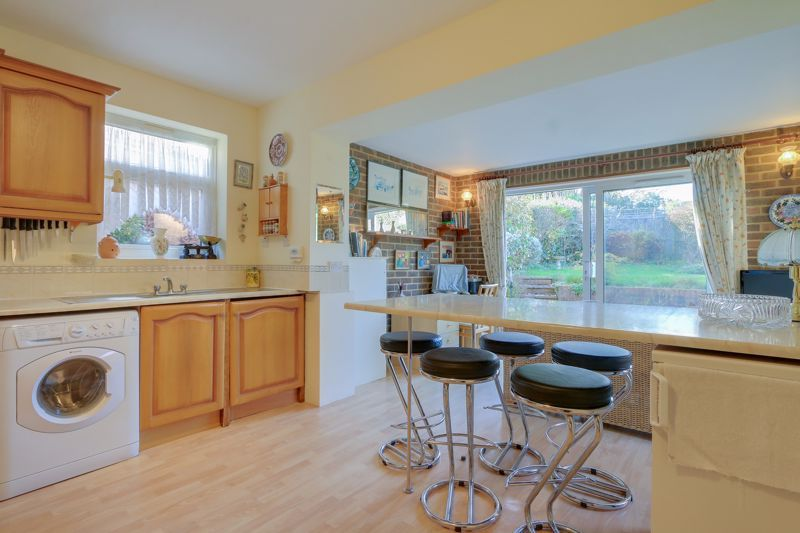 3 bed house for sale in Roundwood Way 5