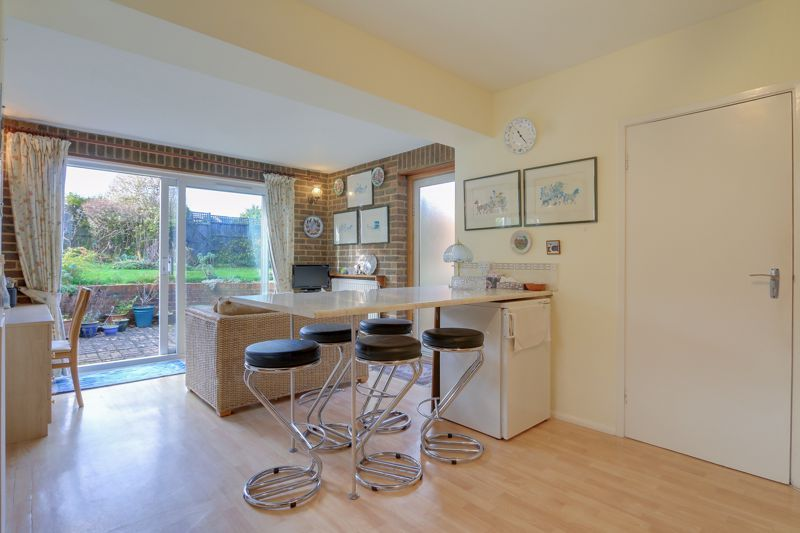 3 bed house for sale in Roundwood Way 6