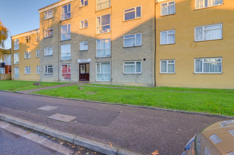 2 bed flat for sale in 50 Thicket Road, SM1