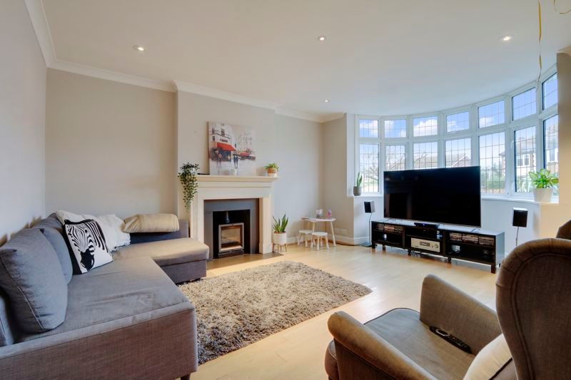 4 bed house to rent in Arundel Avenue  - Property Image 2