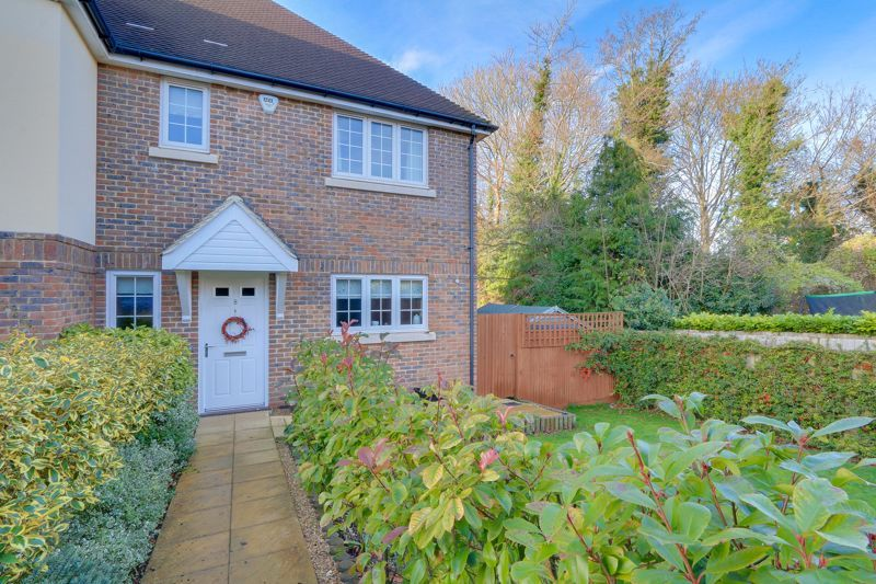 3 bed house for sale in Acer Close, SM7