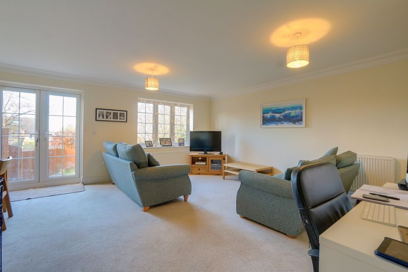 3 bed house for sale in Acer Close 2