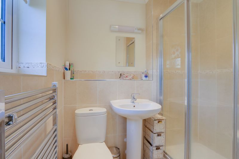 3 bed house for sale in Acer Close 11