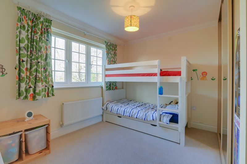 3 bed house for sale in Acer Close 12