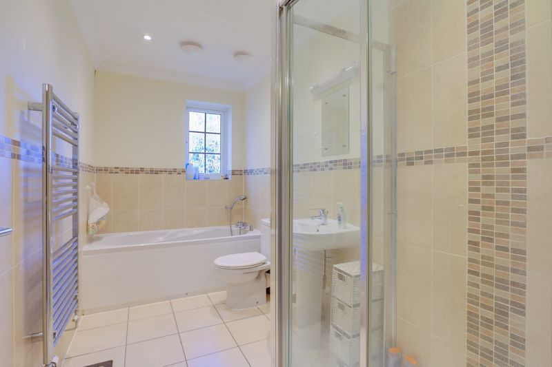 3 bed house for sale in Acer Close 14