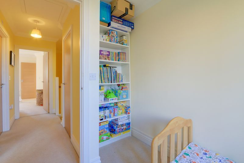 3 bed house for sale in Acer Close 16