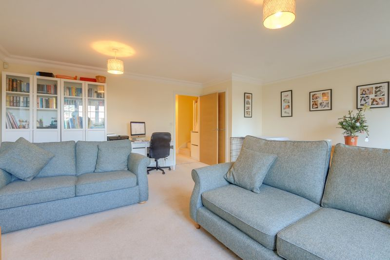 3 bed house for sale in Acer Close 3