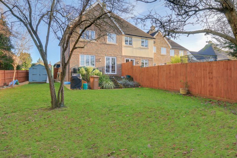 3 bed house for sale in Acer Close 22