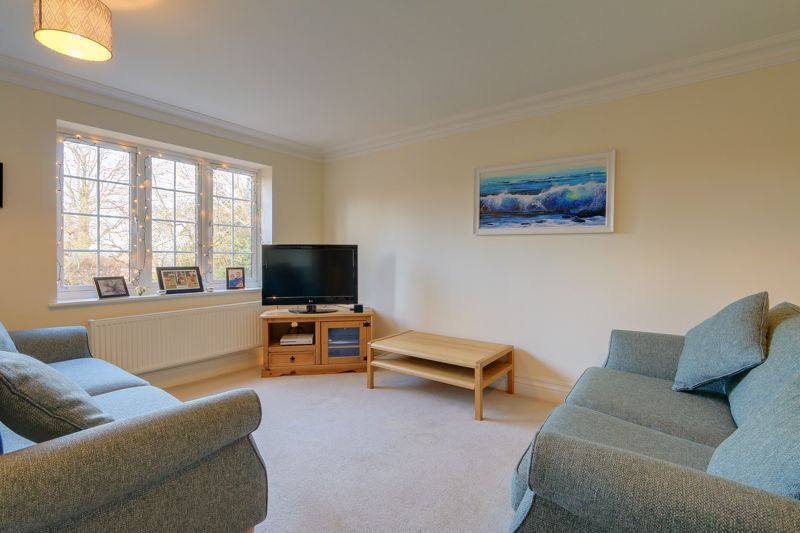 3 bed house for sale in Acer Close 5