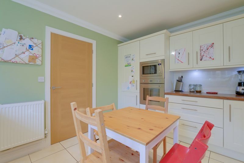 3 bed house for sale in Acer Close 8