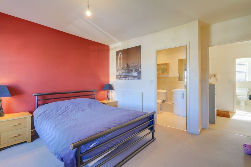 2 bed flat to rent in Horton Crescent  - Property Image 9