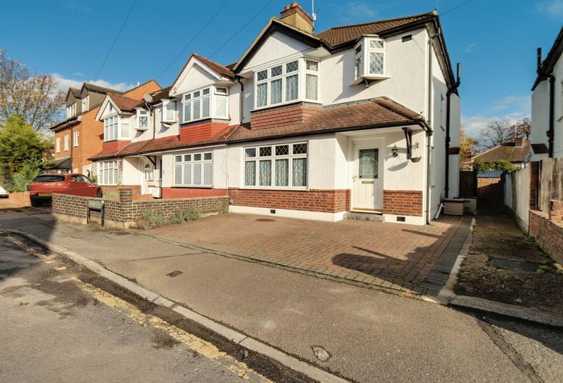 3 bed house for sale in Deans Road - Property Image 1