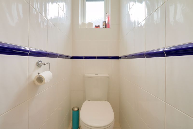 3 bed house for sale in Deans Road 16