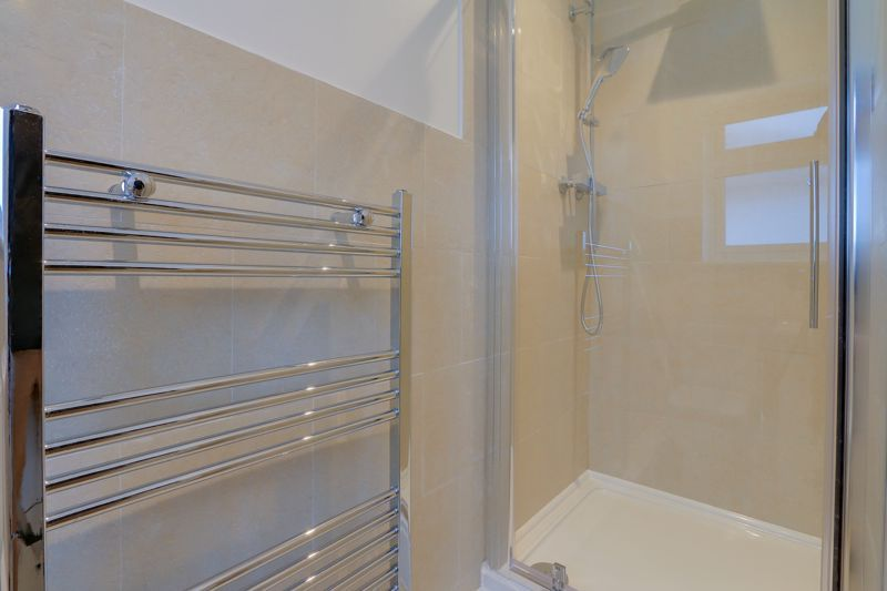 2 bed flat to rent in Brighton Road 11