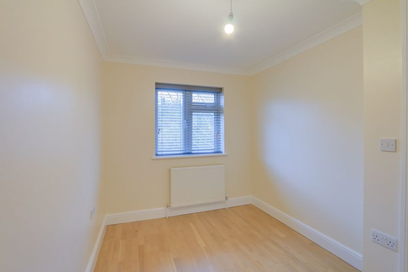2 bed flat to rent in Brighton Road 12
