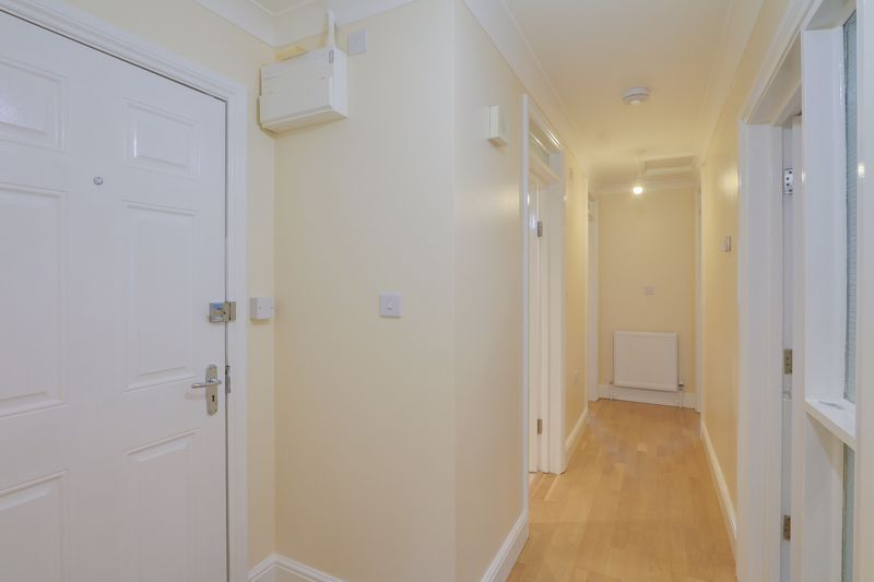 2 bed flat to rent in Brighton Road 14